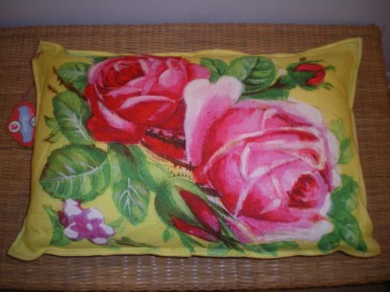 Coussin Pip Art yellow rose, lin, liens de cuir (
