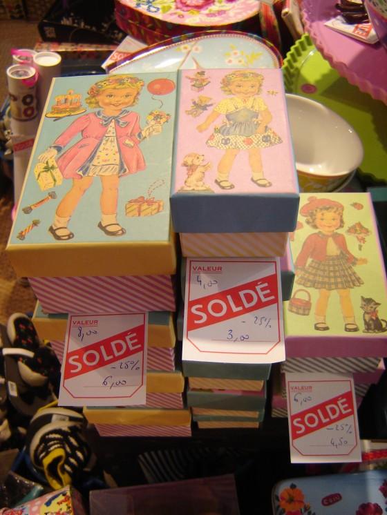 Des boîtes en carton Rex ...