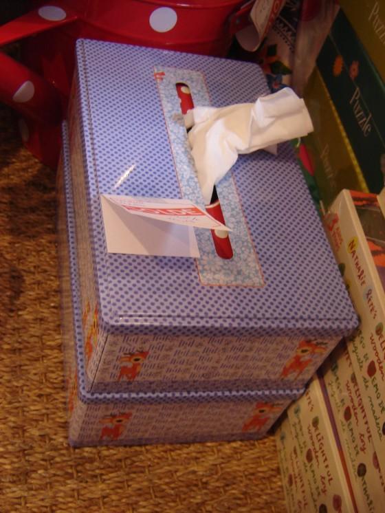 ... et des boîtes à mouchoirs avec Bambi dessus ...