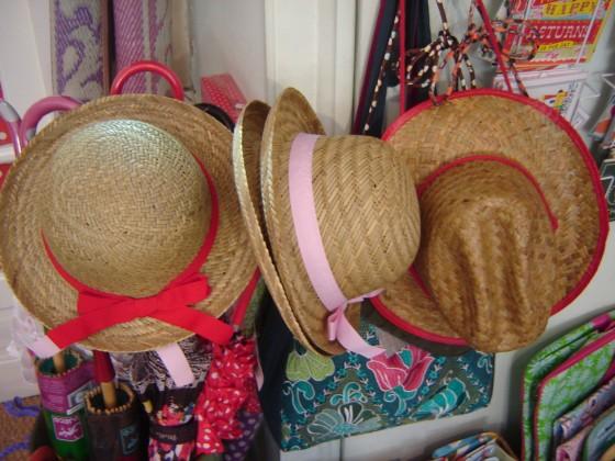 Le Stetson rejoint les chapeaux des filles (7,50 euros tous modèles)