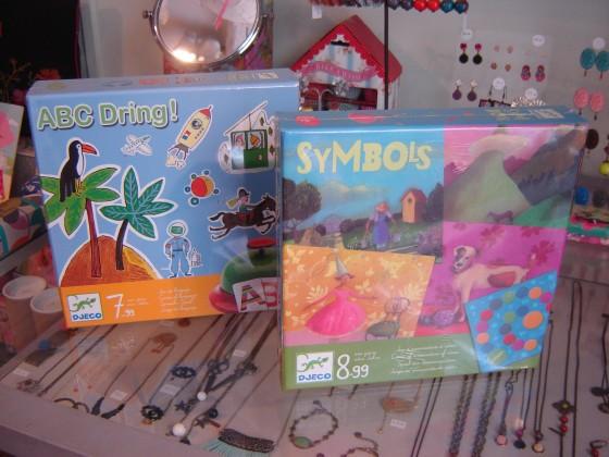 Symbols (association d'idées illustré par Nathalie Novi) et ABC dring (jeu de vocabulaire et de rapidité rigolo), 17,50 euros chacun
