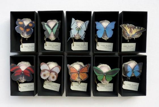 Vanités aux papillons/Lyndie Dourthe (broches pièces uniques, 38 euros)