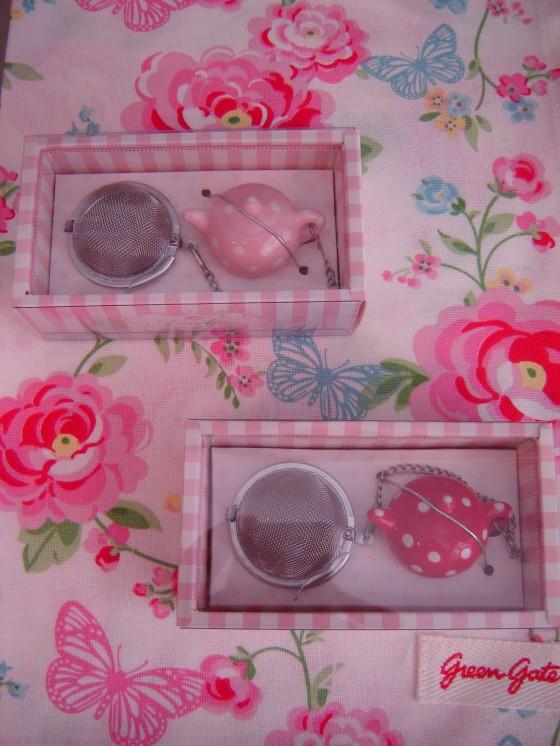 Boules à thé et leur contrepoids théière en céramique (9,90 euros)