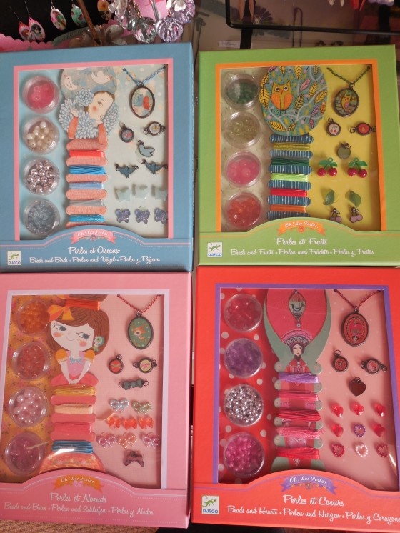Oh les perles ! , ateliers créatifs de bijoux (17 euros)