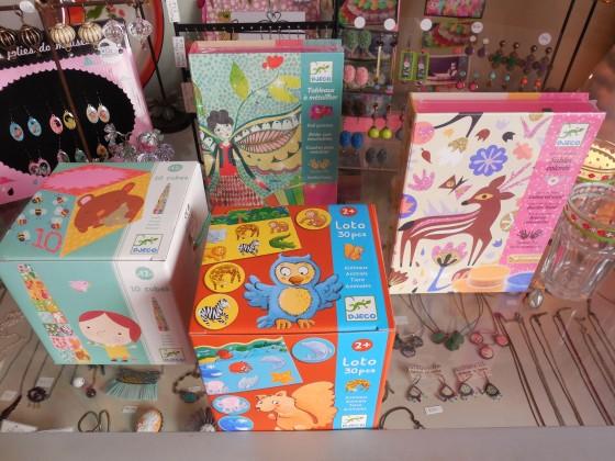 Cubes (16,50 euros), mémo des animaux (11,50 euros), tableaux à métalliser (12,50 euros), sables colorés (16 euros)