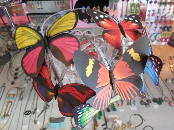 Serre-tête papillon géant (nombreux coloris, 8,50 euros)