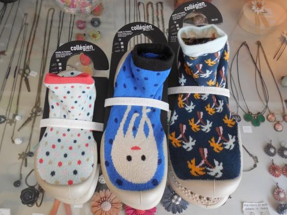 Chaussons-chaussettes coton et latex (du 18 au 47, 25 et 32 euros selon les pointures)