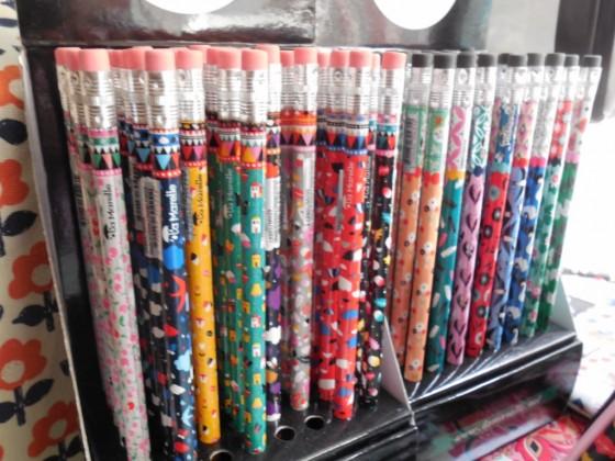 Crayons à papier avec gomme (1,50 euros)