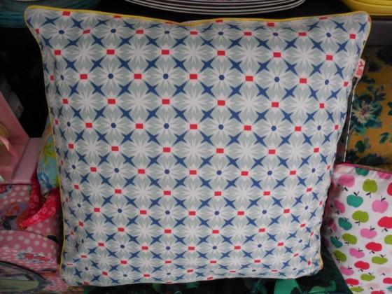 Coussin coton biface déhoussable Djéco (14,50 euros)