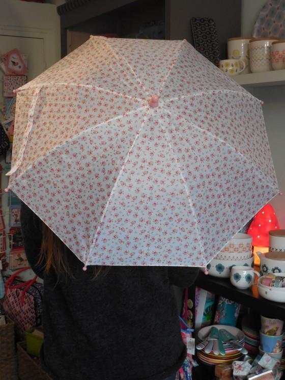 Parapluie automatique pour enfants (12 euros)