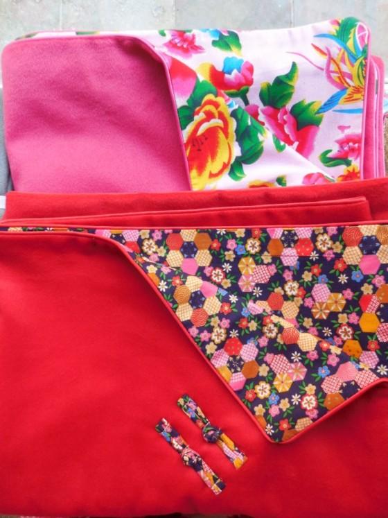 Plaids/couvre lits en cotons chinois ou japonais doublés d'une micro-polaire douce et chaude Une Fille en Chine (95 et 125 euros)