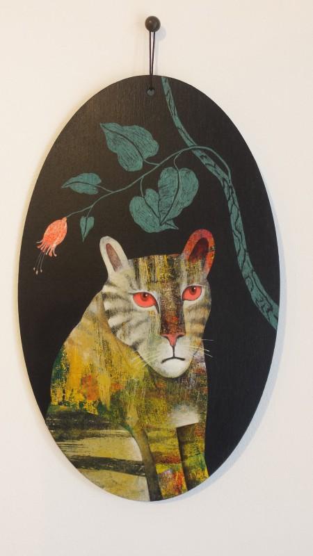 VH5 - Le tigre a des soucis (acrylique, crayon et collage sur bois (vernis mat) - format 13x21 cm, 190 euros)